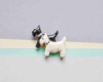 Vintage brooch dog Scottish Scottie terrier miniature pin quirky fashion costume jewelry women 90s gift statement dead stock