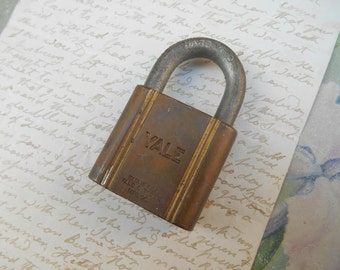 Vintage Yale Padlock Yale and Towne Mfg. Co. Lock Industrial Steampunk