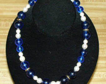 Vintage Dark Blue Faux Pearl Gold Tone Spacers Plastic Beads Bead Necklace Costume Jewelry
