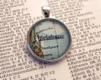 NECKLACE or KEYCHAIN, Australia, BRISBANE, Map-Pendant, Cabochon, Glass, Atlas, Vintage, Jewlery
