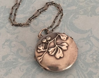 Vintage to Antique Silver Locket, Round Leaves and Berries Locket, Wedding Locket, Gift for Her
