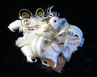 The Mechanical Bird's Nest. White leather  mini crown with gold embossed designs. Steampunk . Lolita