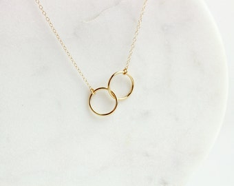 Linked ring necklace / Two circles necklace / Unity necklace / Necklace with two rings / Gold or silver ring necklace / Minimal simple