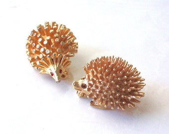 Hedgehog Brooches ~ Vintage Porcupine Married Pin Set ~ Sarah Coventry Brooch ~ Rhinestone Eyes