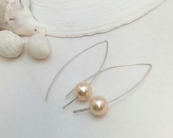 Modern White Pearl Earrings, Minimalist Jewelry, Swarovski Pearls and Sterling Silver Handcrafted Earrings