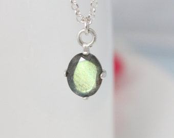 Labradorite necklace - Silver necklace with a labradorite gemstone pendant, Gift for her