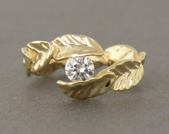 Leaf Engagement Ring, Unique Engagement Ring, Leaf Uiamond Ring in 14k Gold, Solitaire Ring, Unique Diamond Ring, Leaves Gold Ring.