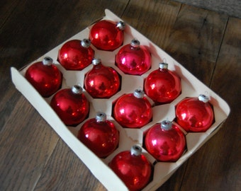 box of 12 Red Glass Christmas Ornaments - Coby - original box