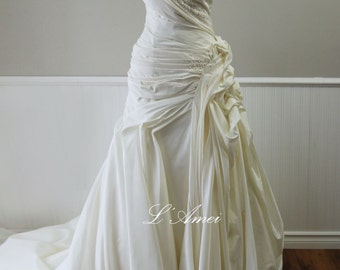 Princess V neck Strapless Floor Length Ivory or Pure White Flower Satin Wedding Gown with Train and Lace Up Back