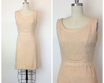 60s Gorgeous Ruched Peach Cream Dress / 1960s Vintage Wiggle Party Dress / Medium / Size 6