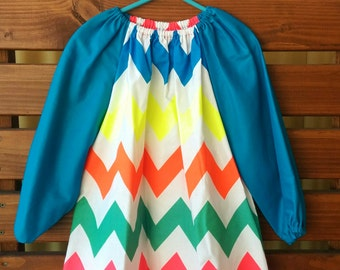 Kids Long Sleeve Art Smock - Size 3-4. Fluorescent Chevron.