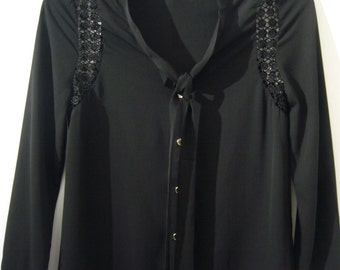 Black Chiffon Long Sleeves Blouse.