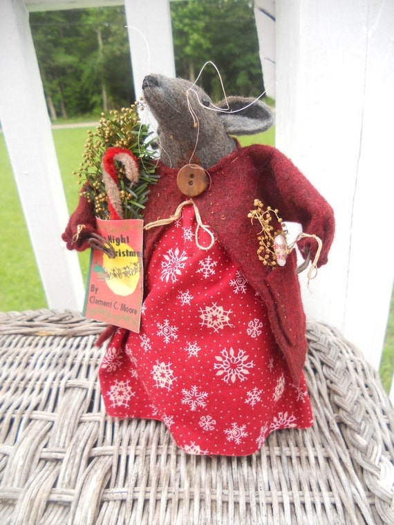 Christmas mouse,prim mouse, primitive Christmas,FAAP,OFG