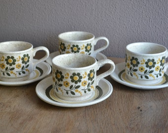 Set of four vintage mid century Biltons England cups and saucers