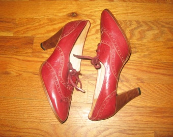 Vintage Olaf Daughters Made In Italy Vero Cuoio Burgundy Classic Laced Wingtip Leather High Heel Oxford Shoes Size 40 (8-8 1/2)