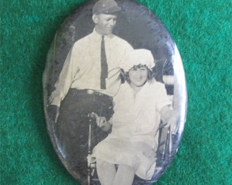 Cute 1940's Celluloid Photo Pocket Mirror - Sweethearts - Free Shipping