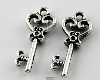 25 pcs 9x21mm Cute Antique Silver Keys Charm Pendant