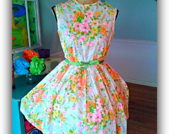 SALE...Lovely Garden Party dress / Pin up / 1950's / Floral / Tea Party / Sundress/ Wedding / Bridal Shower /Small