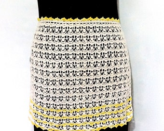 Vintage Apron,Ecru & Yellow Crocheted Apron,Vintage Pinny,Crocheted Pinny,Cream Apron,Ladies Apron,1950s Vintage,Half Apron,Hand Made Apron