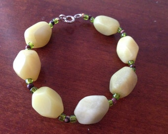Chunky green beaded bracelet
