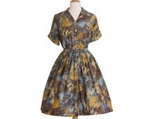 1950s Vintage Leaf Pattern Day Dress, Midcentury 50s Blue Yellow and Brown Autumn Shirtwaist Dress Medium Large