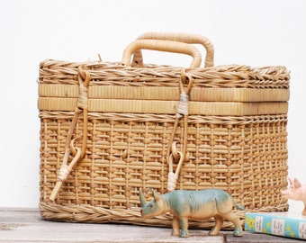 French vintage small rattan basket for children in french vintage style,french vintage mini picnic basket, storage basket for children