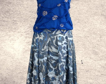 A - line skirt Azul . UK 10