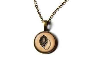 Nautical pendant Seashell necklace Marine jewelry NWR215