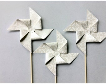 3 Wedding Pinwheels / White Paper Pinwheels / Pinwheel Centerpieces / Pinwheel Bouquet / Pinwheel Table Decorations / Pinwheel Cake Topper