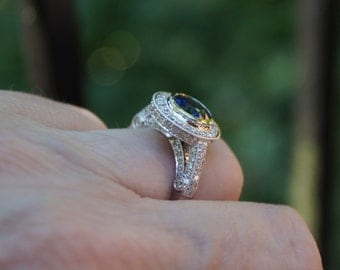 Sapphire Diamond Halo Engagement Ring - 18K Gold - Size 6.25