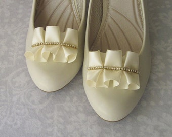 Ivory Pleated Satin Shoe Clips with Rhinestones, One-of-a-Kind, OOAK, Classy, Elegant, Handmade Wedding Shoe Jewelry, Bridal, Bridesmaids