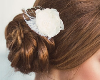 Bridal Flower Hair Piece, Bridal Flower Hair Comb, Floral clip,  Bridal Headpiece, Flower Hair Accessory, Ivory Flower Hair Pin, Bridal hair