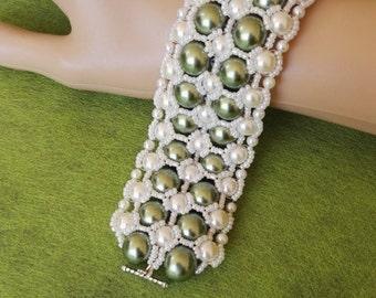 Hand made royal bracelet green white swarovski pearls wedding