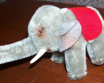 Vintage 1959 Steiff Grey Elephant with Plain Red Saddlecloth
