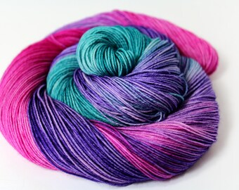 The Jewels Of Long Island-  DYED TO ORDER - 100g 463 yd 4 ply Fingering Yarn 75/25 Sw Merino/Nylon - Costume Jewelry Teal, Pink, Purple