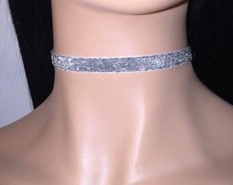 Glitter silver choker