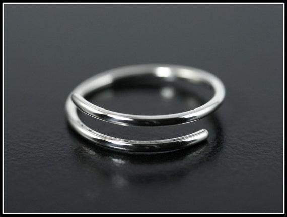 bague argent ajustable anneau simple en par humbertcreations. Black Bedroom Furniture Sets. Home Design Ideas