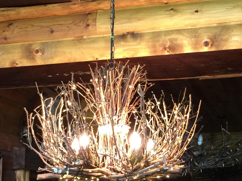 The kenosha rustic outdoor chandelier 5 candle chandelier for Rustic outdoor chandelier
