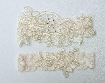 IVORY wedding garter set, bridal garter, customizable, lace garter, keepsake and toss garter, wedding garter, flower garter