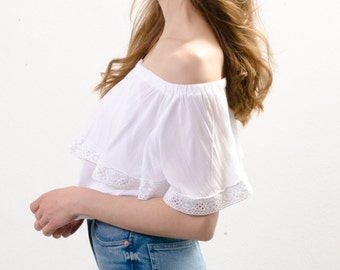 white cotton off the shoulder ruffle top / one size