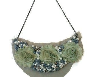 Green Statement Necklace, Flower Statement Necklace, Fall Statement Necklace, Bib Statement Necklace, Beaded Bib Necklace, Bib Necklace