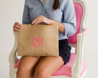 Makeup Bag, Monogrammed Burlap Makeup Bag, Burlap Accessory Bag, Burlap Zipper Pouch, Bridesmaids Gifts, Weddings, Hostess Gifts