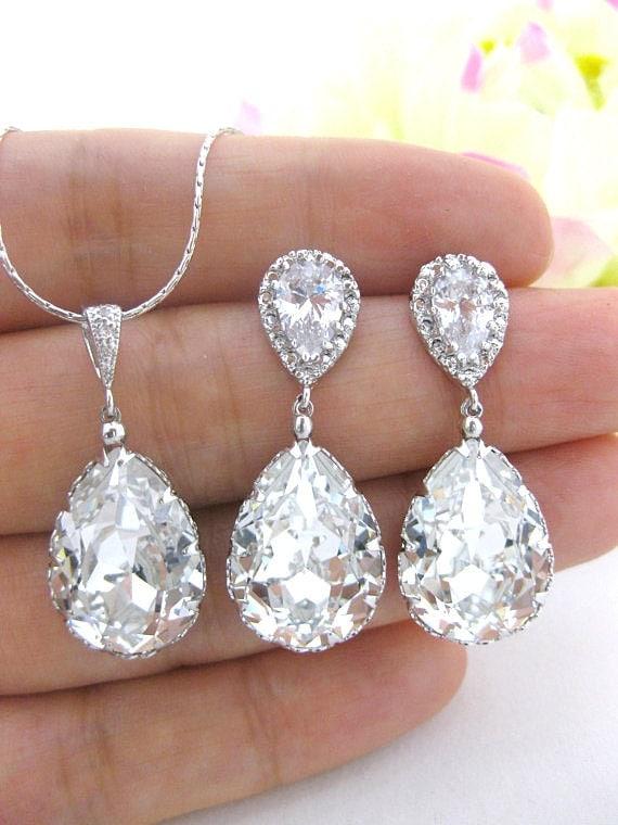 Crystal Wedding Gift: Bridal Crystal Earrings & Necklace Gift Set Swarovski Crystal