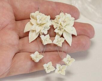 Ivory flowers Earrings. Bridal jewelry. Ivory earrings dangle. Polymer clay jewelry. Ivory Wedding Earrings. Ivory Floral jewelry. Gift box