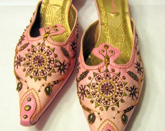 Vintage Pink Asian Slip-Ons by Pretty, Size 9