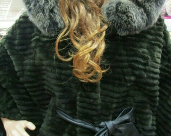 NEW!!!Natural,Real,ONE SIZE-Hooded Noutria Fur cape with  fox!