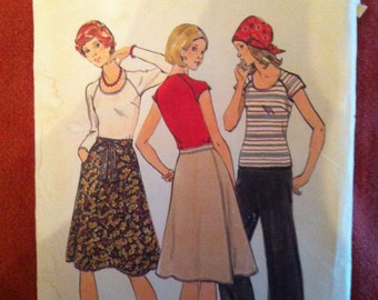 1970s Butterick 4309 Pattern T-Shirts, skirts and pants 1970s