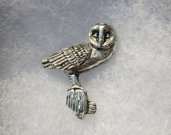Barn Owl Brooch lapel pin / Tie Pin / Pins tack / Owl Jewelry / Animal Pin badge in pewter. Designed and handmade in Scotland by SJH Designs