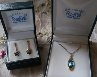 Ariki Paua Shell Necklace and Drop Earings 22 carat Gold Plate