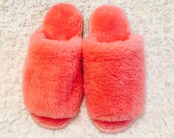 Womens wool slippers, Merino wool boots, Open toes slippers, Sheepskin slippers, Womens fur slippers, Fluffy home shoes, Lambswool slippers